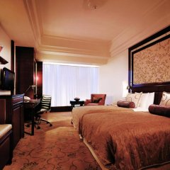 Shangri-La Hotel Guangzhou 5* Номер Делюкс с разными типами кроватей