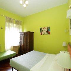 Nika Hostel Стандартный номер с двуспальной кроватью (общая ванная комната) фото 6