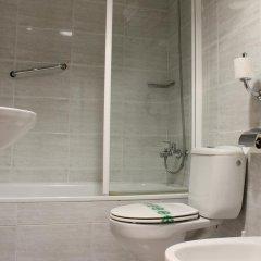 Отель El Jardin Испания, Барселона - отзывы, цены и фото номеров - забронировать отель El Jardin онлайн ванная