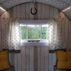 Отель The Little Hide - Grown Up Glamping Стандартный номер с различными типами кроватей фото 3