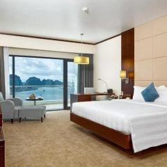 Wyndham Legend Halong Hotel 4* Улучшенный номер с 2 отдельными кроватями фото 2