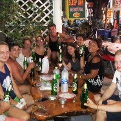 Отель Sleep Inn Hostel Koh Tao Таиланд, Мэй-Хаад-Бэй - отзывы, цены и фото номеров - забронировать отель Sleep Inn Hostel Koh Tao онлайн гостиничный бар