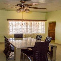 Отель Malbert Inn Guest House Гана, Аккра - отзывы, цены и фото номеров - забронировать отель Malbert Inn Guest House онлайн питание фото 3
