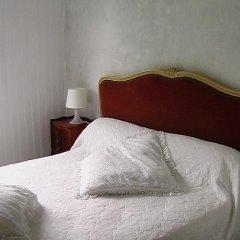 Отель Bed And Breakfast Saint Emilion Франция, Сент-Эмильон - отзывы, цены и фото номеров - забронировать отель Bed And Breakfast Saint Emilion онлайн комната для гостей фото 3
