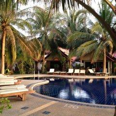 Отель Noble House Beach Resort бассейн