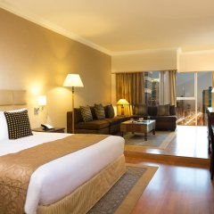 Отель Crowne Plaza Dubai Номер Делюкс с различными типами кроватей