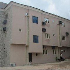 Отель Bright Value Resort Нигерия, Энугу - отзывы, цены и фото номеров - забронировать отель Bright Value Resort онлайн парковка