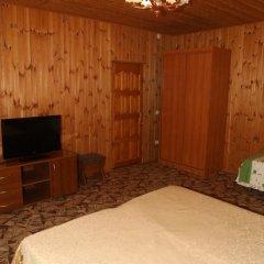 Гостевой Дом Натали Стандартный семейный номер с двуспальной кроватью фото 4