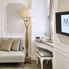 Mirrors Hotel удобства в номере
