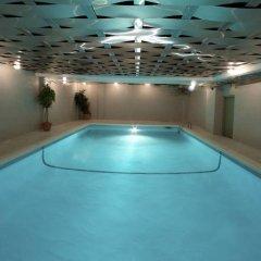 Отель Century Plaza Hotel & Spa Канада, Ванкувер - отзывы, цены и фото номеров - забронировать отель Century Plaza Hotel & Spa онлайн бассейн фото 3