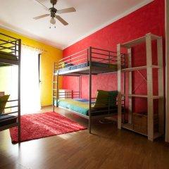 Отель Ericeira Surf Camp 2* Кровать в общем номере двухъярусные кровати фото 12