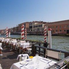 Отель Continental Venice Италия, Венеция - 2 отзыва об отеле, цены и фото номеров - забронировать отель Continental Venice онлайн приотельная территория фото 2
