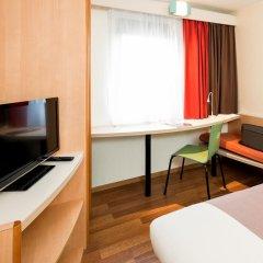 Отель ibis Gent Centrum St-Baafs Kathedraal Бельгия, Гент - отзывы, цены и фото номеров - забронировать отель ibis Gent Centrum St-Baafs Kathedraal онлайн удобства в номере фото 2