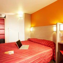 Отель Premiere Classe Lyon Est - Aéroport Saint Exupéry Стандартный номер с различными типами кроватей фото 6