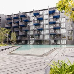 Отель The Deck Condominium by Alexanders бассейн