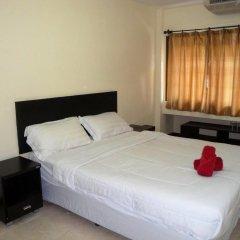 Отель The Nelson Guest House Pattaya Улучшенный номер с различными типами кроватей