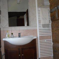 Отель Casale dei grilli e le cicale Монтоне ванная
