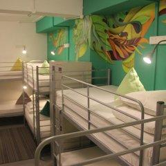 RedDoorz Hostel Кровать в общем номере с двухъярусной кроватью фото 5