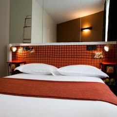 Olympic Hotel by Patrick Hayat в номере
