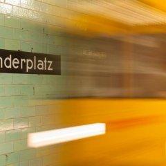 Отель H2 Hotel Berlin-Alexanderplatz Германия, Берлин - 5 отзывов об отеле, цены и фото номеров - забронировать отель H2 Hotel Berlin-Alexanderplatz онлайн интерьер отеля фото 2