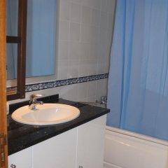 Хостел Ericeira Chill Hill Hostel & Private Rooms Стандартный номер с различными типами кроватей фото 13