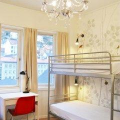 Отель Marken Guesthouse Кровать в мужском общем номере фото 16