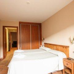 Отель Hostal Les Roquetes Керальбс комната для гостей фото 4