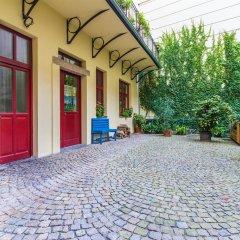 Апартаменты Mighty Prague Apartments парковка