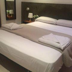 Отель Hostal Mont Thabor Улучшенный номер с различными типами кроватей фото 25