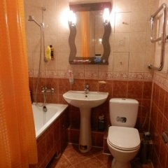 Гостиница on Kirova 52 Беларусь, Брест - отзывы, цены и фото номеров - забронировать гостиницу on Kirova 52 онлайн ванная фото 2