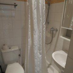 Отель Acci Studios City Center Франция, Канны - отзывы, цены и фото номеров - забронировать отель Acci Studios City Center онлайн ванная