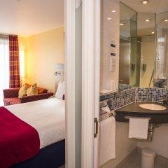Отель Holiday Inn Express London Stansted 3* Стандартный номер с различными типами кроватей фото 4