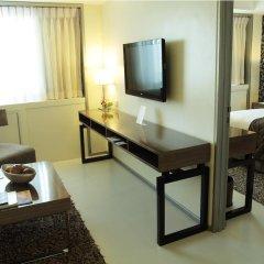 Quest Hotel & Conference Center - Cebu 3* Номер Делюкс с различными типами кроватей