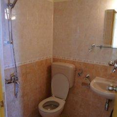 Отель Krasi Hotel Болгария, Равда - отзывы, цены и фото номеров - забронировать отель Krasi Hotel онлайн ванная фото 2