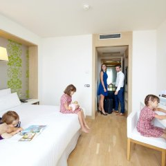 Отель Occidental Praha Five 4* Стандартный номер с различными типами кроватей фото 15
