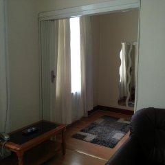 Апартаменты Kensington and Chelsea Apartment сейф в номере