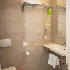Гостиница Украина 3* Стандартный номер с различными типами кроватей фото 2