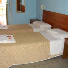 Hotel Mercurio 2* Стандартный номер с 2 отдельными кроватями
