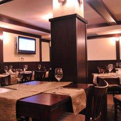Отель Adeona SKI & SPA Болгария, Банско - отзывы, цены и фото номеров - забронировать отель Adeona SKI & SPA онлайн гостиничный бар фото 3