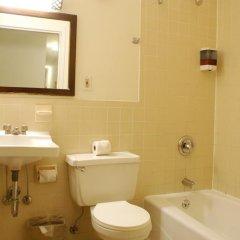 Отель Americana Inn 2* Стандартный номер с двуспальной кроватью (общая ванная комната) фото 13