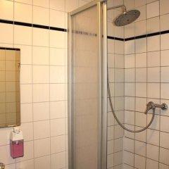 Отель St Christophers Inn Berlin Кровать в общем номере с двухъярусной кроватью фото 33