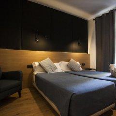 Отель Hostal CC Malasaña Улучшенный номер с различными типами кроватей фото 13