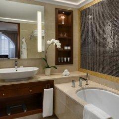 Grand Hotel Kempinski Vilnius 5* Улучшенный номер с 2 отдельными кроватями фото 4