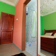 Отель Larry Dort Guest House Гана, Bawjiase - отзывы, цены и фото номеров - забронировать отель Larry Dort Guest House онлайн сейф в номере