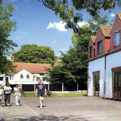 Отель White Rose Country Cottages спортивное сооружение