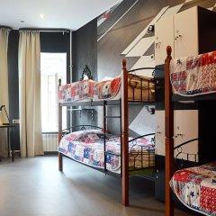 Hostel Racing Paradise Кровать в общем номере с двухъярусной кроватью фото 21