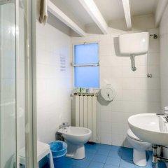 Отель Soggiorno Pitti 3* Стандартный номер с двуспальной кроватью (общая ванная комната) фото 16