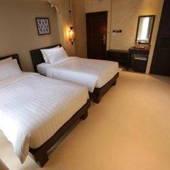 Отель Dewan Bangkok 3* Улучшенный номер с различными типами кроватей фото 13