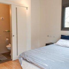 Апартаменты Ziv Apartments 8 Amos Street Тель-Авив комната для гостей фото 2