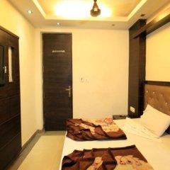 Отель Chander Palace Номер Делюкс с различными типами кроватей фото 2